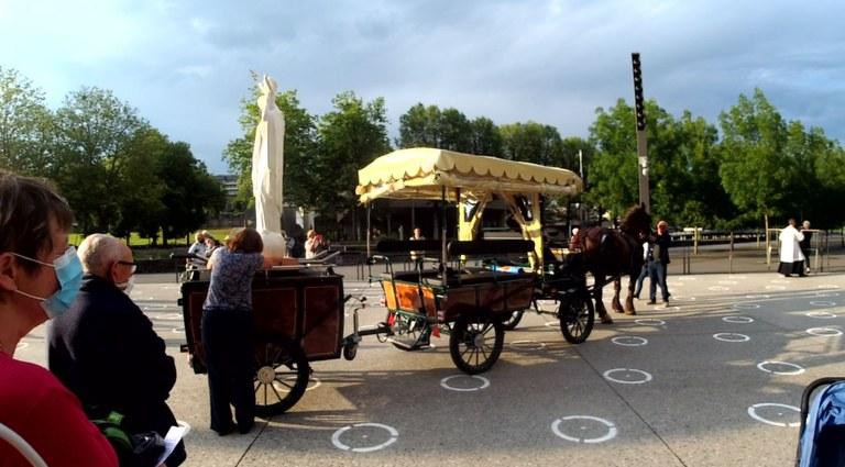 Calèche-à-Lourdes2.jpg